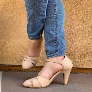 New natural low heel